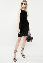 Superbalist - Cutaway velvet bodycon dress - black