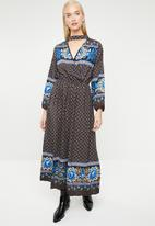 STYLE REPUBLIC - Bell sleeve maxi dress floral - multi