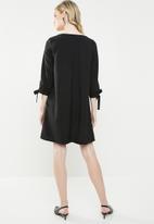 Superbalist - A-line dress with ties - black