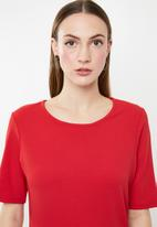 edit - Short sleeve pencil dress - red