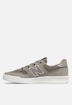 New Balance  - Wrt300j2 - classic court - grey & white
