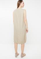 edit - Notch neckline shift dress - beige