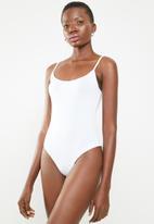 Superbalist - Single cami bodysuit - white