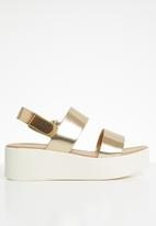 Call It Spring - Faux leather platform sandal - gold