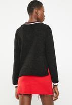 STYLE REPUBLIC - V-neckline chenille sweater - black