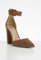 Call It Spring - Jonieb shoe - brown