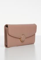 Superbalist - Button detail leather purse - pink