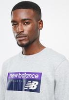 New Balance  - Archive banner tee - grey
