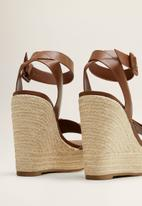 MANGO - Faux leather ankle bracelet woven wedge heel - brown