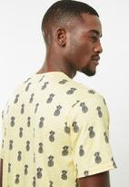 STYLE REPUBLIC - Holmes printed tee - yellow