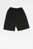 Superbalist - Easy chino shorts - black