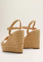 MANGO - Woven braided design ankle bracelet wedge heel - light beige