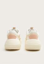 MANGO - Colour block flatform sneaker - white & peach
