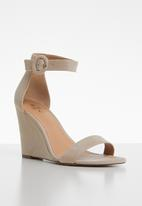 Call It Spring - Portree heel - beige
