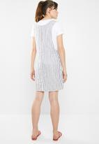 Cotton On - Woven utility pinafore dress - navy & white