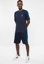 adidas Originals - 3 stripe short - navy & blue
