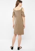 edit - Flutter sleeve cold shoulder dress - beige & navy