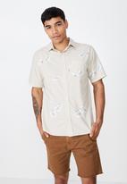 Cotton On - Resort short sleeve shirt - beige