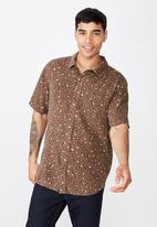 Cotton On - 92 short sleeve shirt - brown & beige