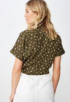 Cotton On - Tilly tie front cropped shirt - green & white