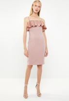 Superbalist - Structured ruffle dress - pink