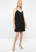 Superbalist - Chiffon strappy dress - black