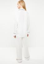Superbalist - Sleep shirt and pants set - white