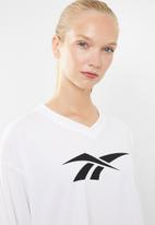 Reebok - CL v p cropped long sleeve - white