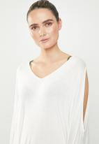 Superbalist - Cold shoulder cover up - milk