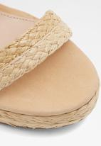 ALDO - Huglag leather heel - natural