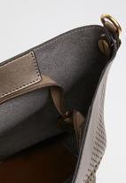 STYLE REPUBLIC - Studded shoulder bag - brown