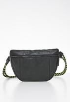 Superbalist - Zane waist bag - black