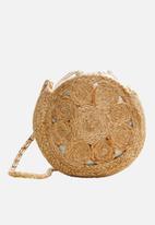MANGO - Round jute bag - tan