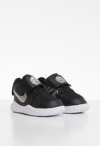 Nike - Team hustle d 9 (td) - black