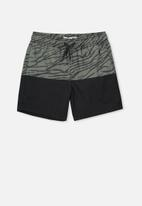 Cotton On - Volly short - black & grey