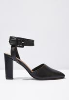 Cotton On - Faux leather buckle heel - black