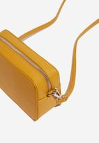 Cotton On - Stevie boxy cross body bag - yellow