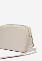 Cotton On - Stevie boxy cross body bag - neutral