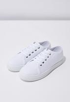Cotton On - Chelsea creeper plimsoll - white