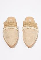 Cotton On - Woven textured mule - tan