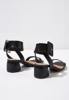Cotton On - Faux leather buckle sandal - black