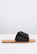 Cotton On - Asymmetric buckle slide - black