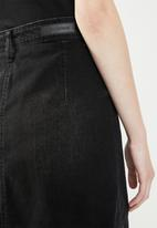 Jacqueline de Yong - Sara button through denim a line skirt - black