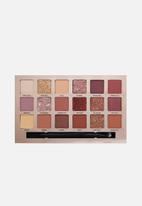 W7 Cosmetics - Socialite Pressed Pigment Palette