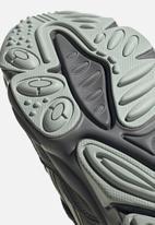 adidas Originals - Ozweego - grey / clear brown / ash silver