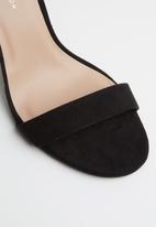 New Look - Wide fit ankle strap block heels - black