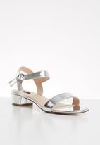 ONLY - Apple midi heel metallic sandal - silver