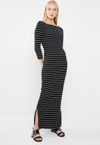 Jacqueline de Yong - Nevada stripe jersey midi dress - black & white