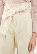 Jacqueline de Yong - Donna paperbag wide leg pants - beige