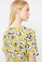 Jacqueline de Yong - Treats short sleeve shirt - yellow
